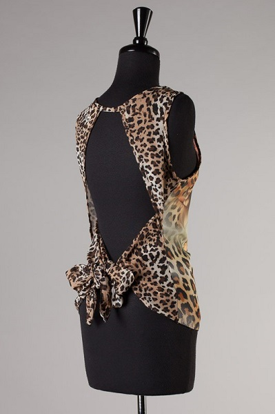 SASSY LEOPARD TOP-