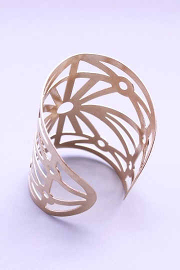 METAL CUFF BRACELET - GOLD OR SILVER-